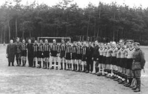 1939: Das letzte Spiel vor dem Krieg gegen eine Soldatenmannschaft